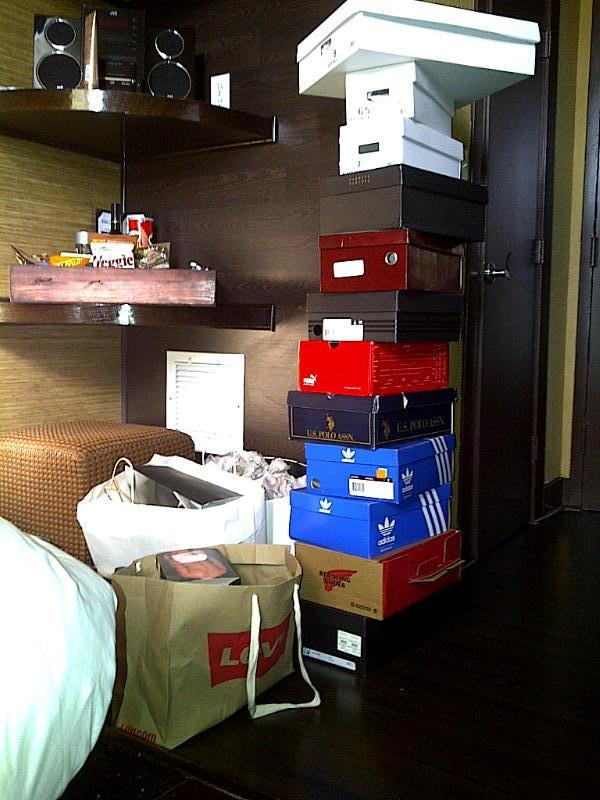 Robert Wayne Shoe Store Las Vegas